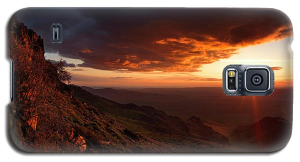 Galaxy S5 Case featuring the photograph Oregon Mountains Sunrise by Leland D Howard