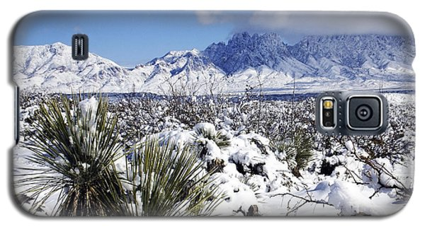 Galaxy S5 Case featuring the photograph Winter's Blanket Organ Mountains by Kurt Van Wagner