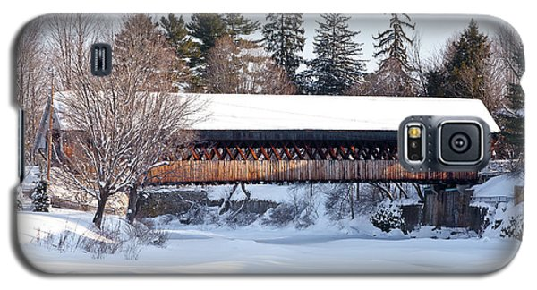 Galaxy S5 Case featuring the photograph Ottaquechee Middle Bridge by Susan Cole Kelly