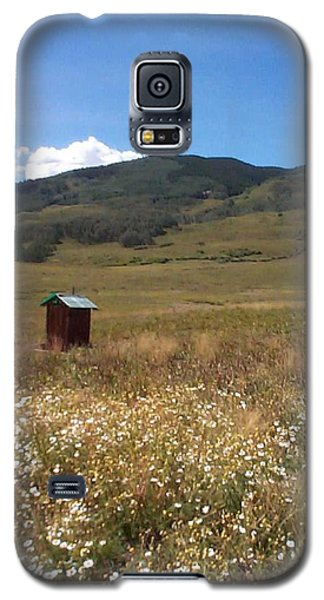 Galaxy S5 Case featuring the photograph Out House by Mary-Lee Sanders