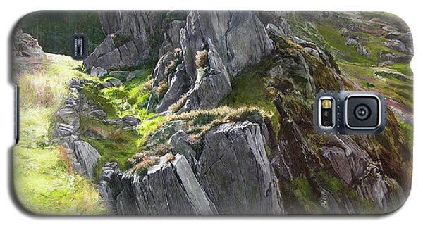 Outcrop In Snowdonia Galaxy S5 Case by Harry Robertson
