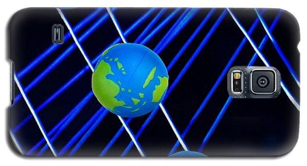 Outer Orbit String,n Balancing Galaxy S5 Case