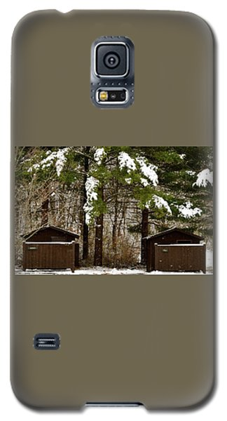 Outhouses In The Cold Galaxy S5 Case