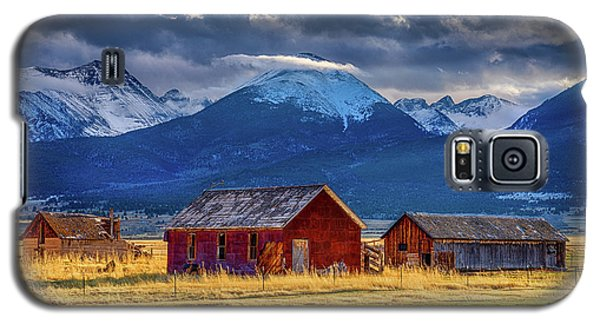 Galaxy S5 Case featuring the photograph Outliers by Eric Glaser