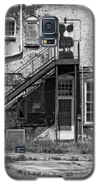 Galaxy S5 Case featuring the photograph Over Under The Stairs - Bw by Christopher Holmes