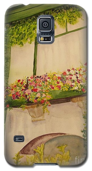 Galaxy S5 Case featuring the painting Overlooking Butchard Gardens  by Vicki  Housel