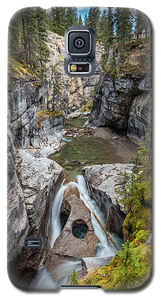 Galaxy S5 Case featuring the photograph Owl Face Falls Of Maligne Canyon by Pierre Leclerc Photography