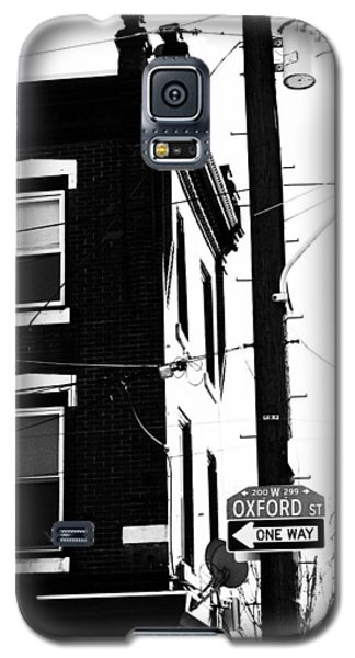 Galaxy S5 Case featuring the photograph Oxford St by Christopher Woods
