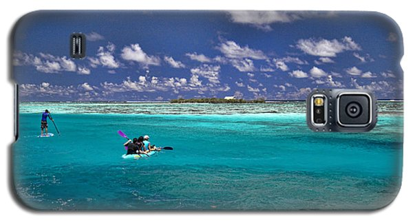 Paddling In Moorea Galaxy S5 Case by David Smith