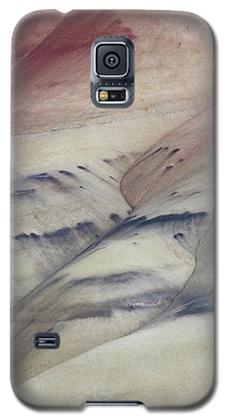 Galaxy S5 Case featuring the photograph Painted Hills Textures 2 by Leland D Howard