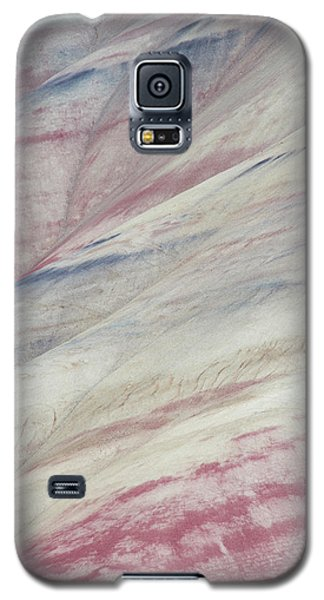 Galaxy S5 Case featuring the photograph Painted Hills Textures 3 by Leland D Howard