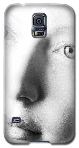 Pale Moonlight Galaxy S5 Case by Robert WK Clark