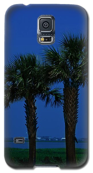 Galaxy S5 Case featuring the photograph Palms And Moon At Morse Park by Bill Barber