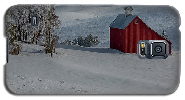 Palouse Saltbox Barn Winter Galaxy S5 Case