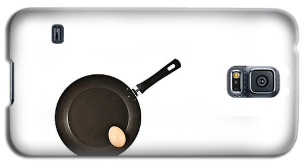 Galaxy S5 Case featuring the photograph Pan With Egg by Gert Lavsen