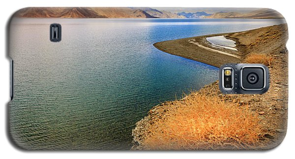 Galaxy S5 Case featuring the photograph Pangong Tso Lake by Alexey Stiop