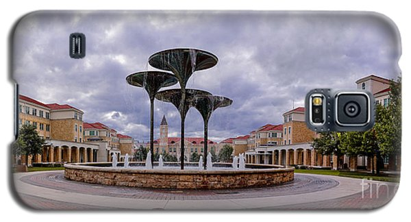 Panorama Of Texas Christian University Campus Commons And Frog Fountain - Fort Worth Texas Galaxy S5 Case