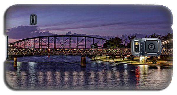 Panorama Of Waco Suspension Bridge Over The Brazos River At Twilight - Waco Central Texas Galaxy S5 Case
