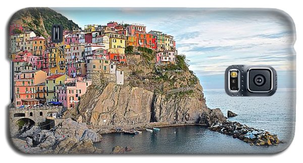 Galaxy S5 Case featuring the photograph Panoramic Manarola Seascape by Frozen in Time Fine Art Photography