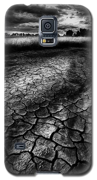 Galaxy S5 Case featuring the photograph Parched Prairie by Dan Jurak