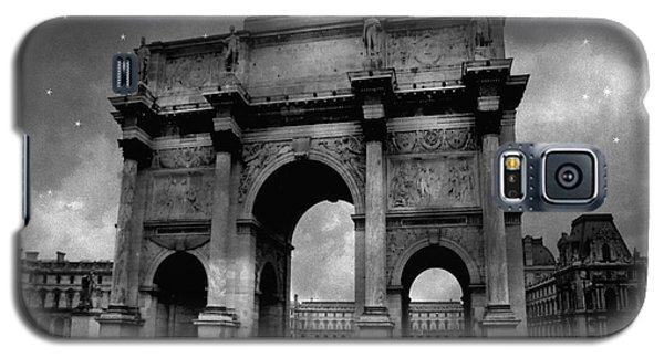 Galaxy S5 Case featuring the photograph Paris Louvre Entrance Arc De Triomphe Architecture - Paris Black White Starry Night Monuments by Kathy Fornal