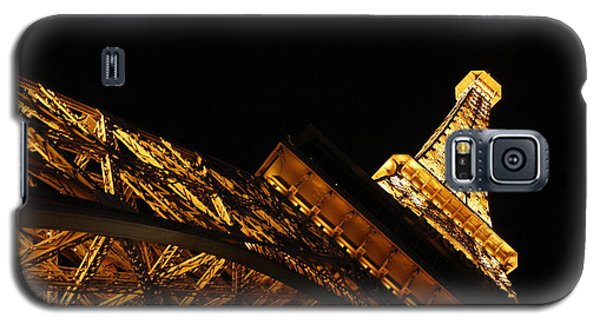 Galaxy S5 Case featuring the photograph Paris by Wilko Van de Kamp