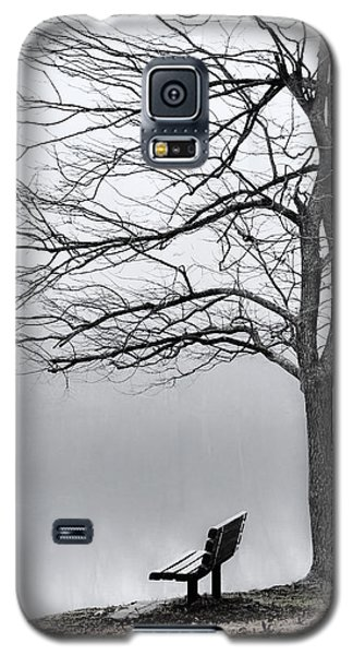 Park Bench And Leafless Tree In Fog - Hi-key Galaxy S5 Case