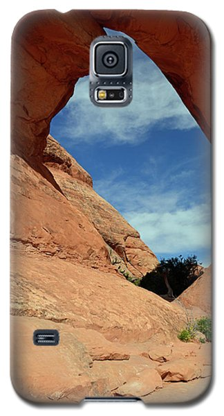 Galaxy S5 Case featuring the photograph Partition Arch In Arches National Park by Bruce Gourley