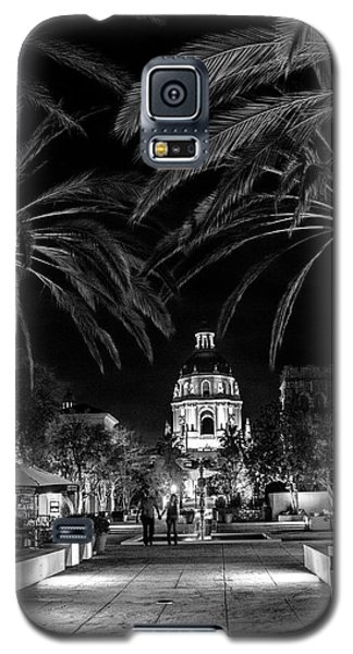 Galaxy S5 Case featuring the photograph Pasadena City Hall After Dark In Black And White by Randall Nyhof