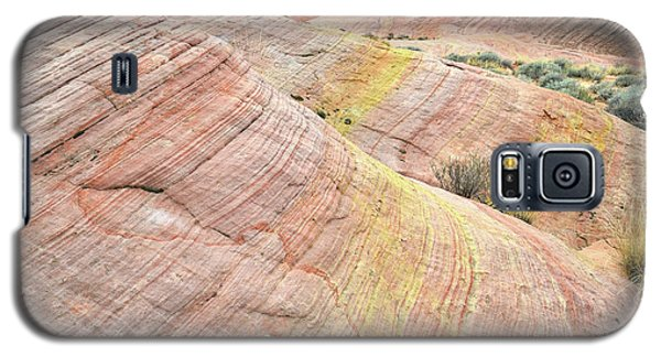 Galaxy S5 Case featuring the photograph Pastel Dunes In Valley Of Fire by Ray Mathis