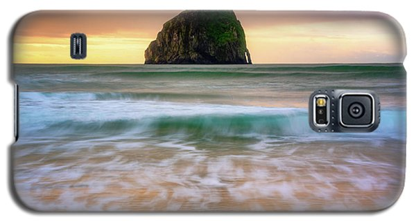 Galaxy S5 Case featuring the photograph Pastel Morning At Kiwanda by Darren White