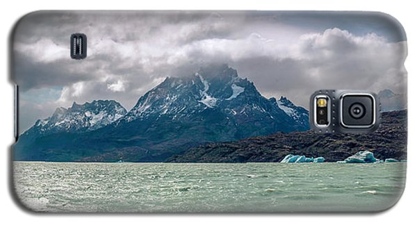 Galaxy S5 Case featuring the photograph Patagonia Lake by Andrew Matwijec