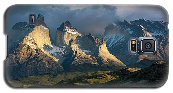 Galaxy S5 Case featuring the photograph Patagonian Sunrise by Andrew Matwijec