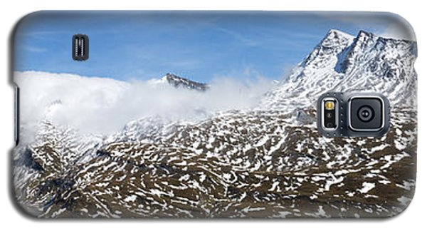 Patches Of Snow Galaxy S5 Case by Arik Baltinester