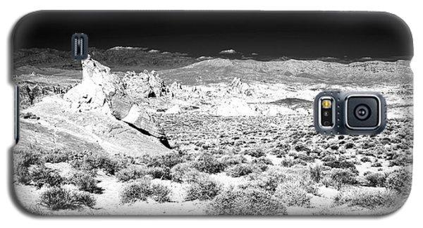 Path Through The Desert Galaxy S5 Case