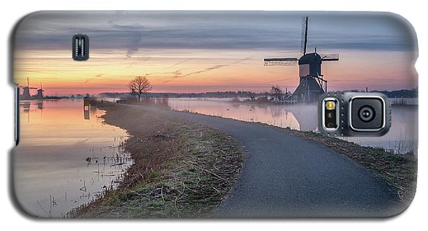 Path Through Windmill City Galaxy S5 Case
