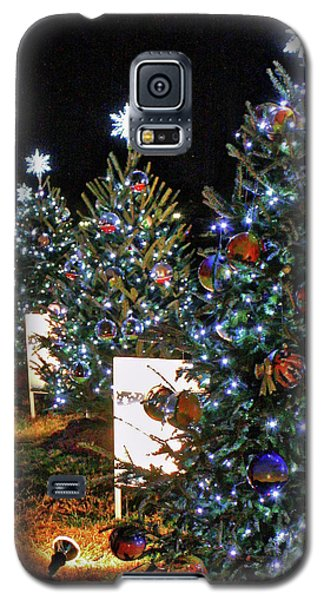 Galaxy S5 Case featuring the photograph Pathway Of Peace by Suzanne Stout