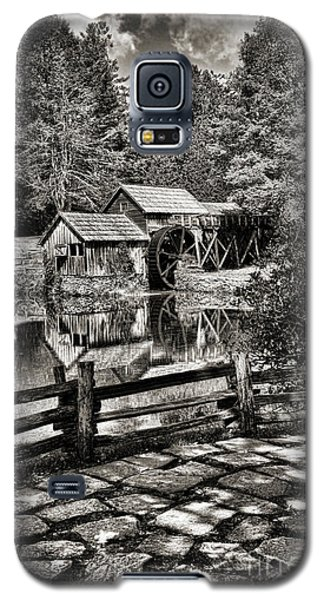 Galaxy S5 Case featuring the photograph Pathway To Marby Mill In Black And White by Paul Ward