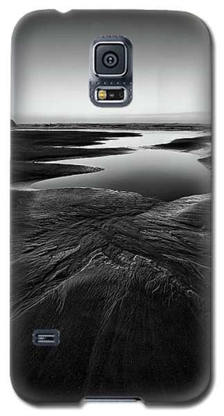 Galaxy S5 Case featuring the photograph Patterns In The Sand by Jon Glaser