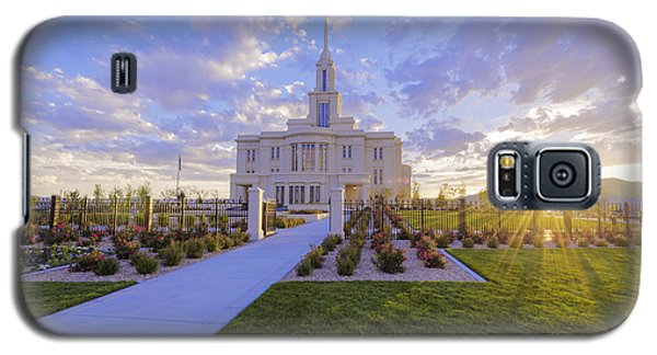 Galaxy S5 Case featuring the photograph Payson Temple I by Chad Dutson