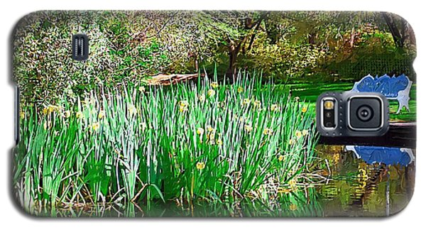 Galaxy S5 Case featuring the photograph Peaceful by Donna Bentley