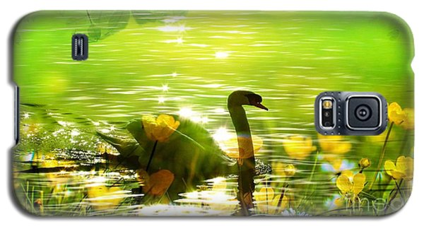 Peaceful Swan In Lake With Flowers Galaxy S5 Case
