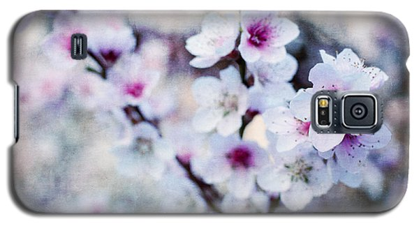 Peach Flowers Galaxy S5 Case by Laura Melis