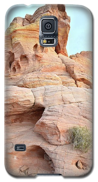 Galaxy S5 Case featuring the photograph Peak Of Color In Valley Of Fire by Ray Mathis