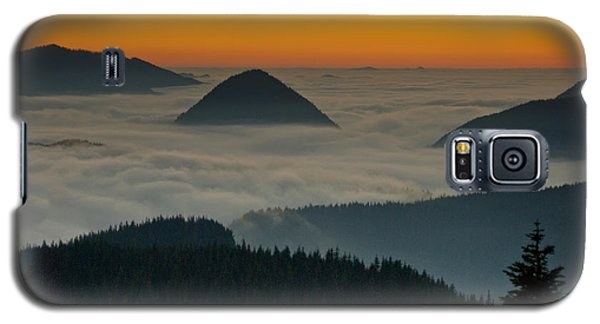 Peaks Above The Fog At Sunset Galaxy S5 Case