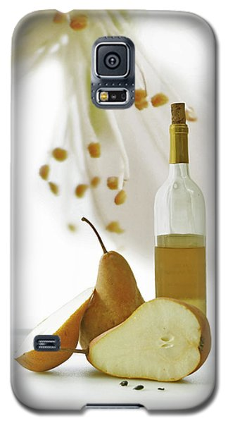 Galaxy S5 Case featuring the photograph Pears Blossom by Ann Lauwers