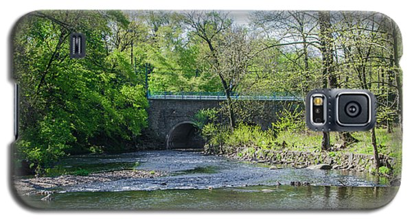 Galaxy S5 Case featuring the photograph Pennypack Creek Bridge Built 1697 by Bill Cannon