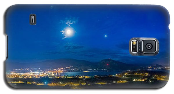 Galaxy S5 Case featuring the photograph Penticton Night 1 by Thomas Born