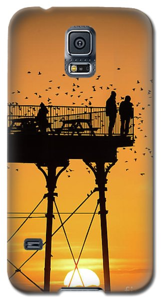People On The Pier Sunset And Starlings In Aberystwyth Wales Galaxy S5 Case