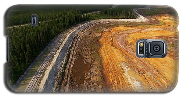 Perfect Poster Of An Ugly Polluted Landscape Of North America Read Canada Galaxy S5 Case by Navin Joshi